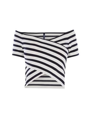 تی شرت یقه باز زنانه